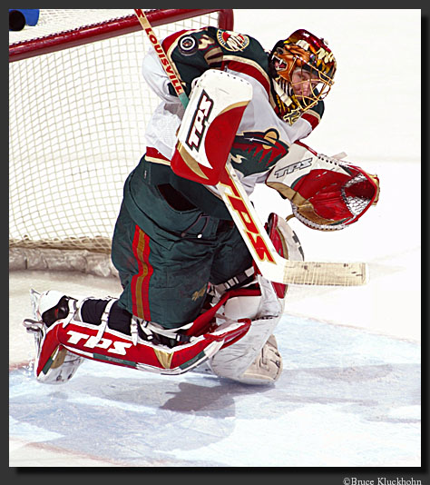 photo of dwayne roloson making a save.
